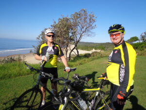 Phil & Mark take a break at Hungry Head after traversing the cobblestones of Yellow Rock Road